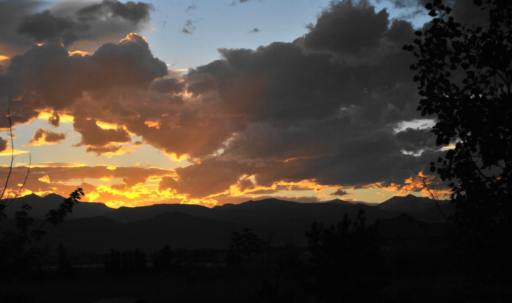 cropped sunset over mountains